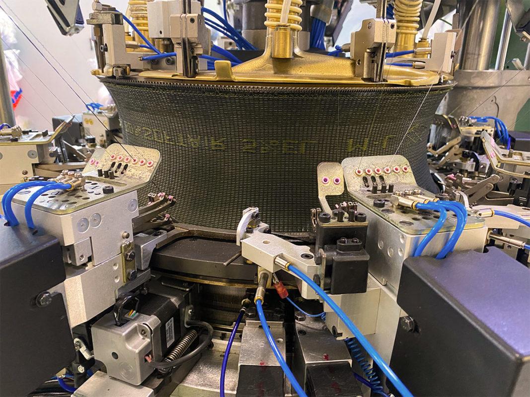машина за производство на безшевно облекло снимка 2