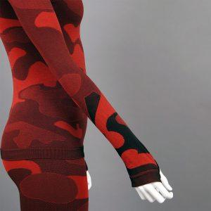 Дамска термо блуза с дълъг ръкав и поло яка в цвят червен камуфлаж - снимка 4