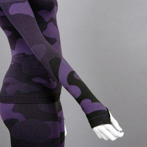Дамска термо блуза с дълъг ръкав цвят лилав камуфлаж детайл ръкав