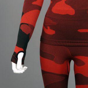 Термо комплект дамски червено комо без качулка детайл ръкав