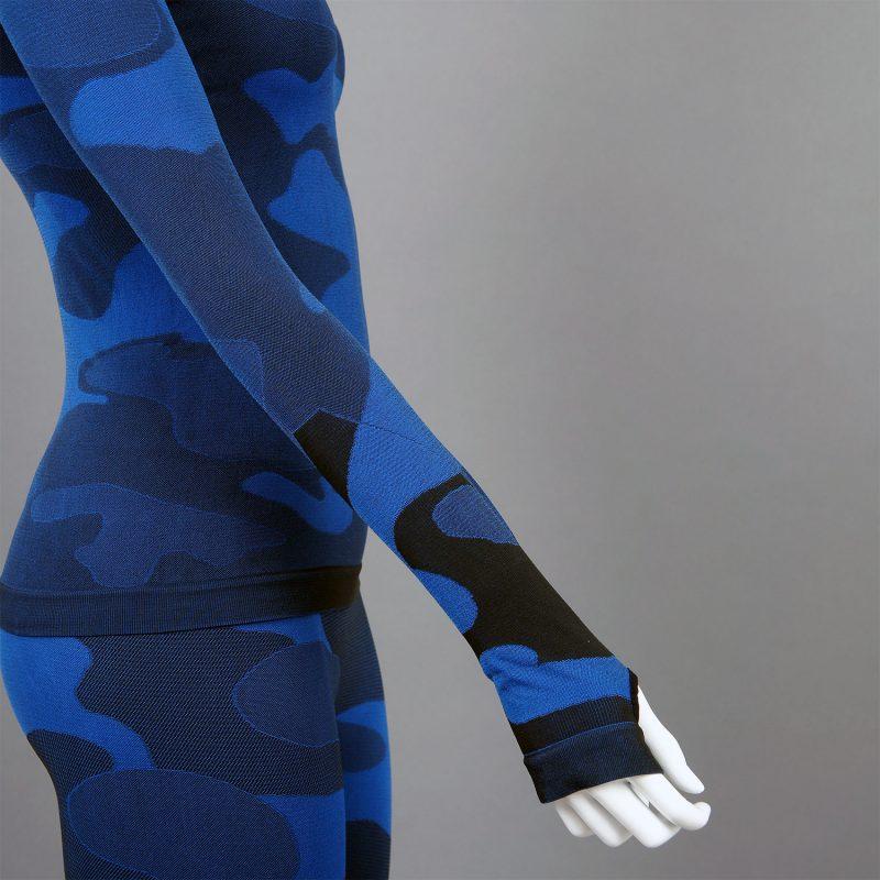 Дамска термо блуза с поло яка в цвят тъмносин камуфлаж - снимка 4