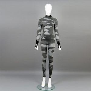 Дамски термо комплект с поло яка цвят сив камуфлаж - снимка 1