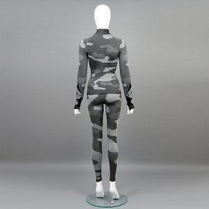 Дамски термо комплект с поло яка цвят сив камуфлаж - снимка 2