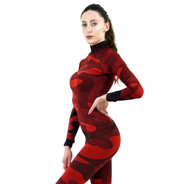 Дамска термо блуза с дълъг ръкав и поло яка в цвят червен камуфлаж - снимка 2