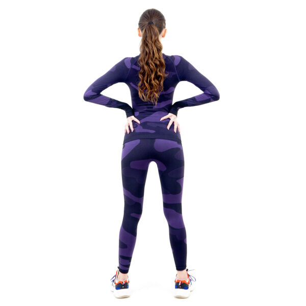 Термо комплект дамски в цвят лилав комуфлаж - снимка 4
